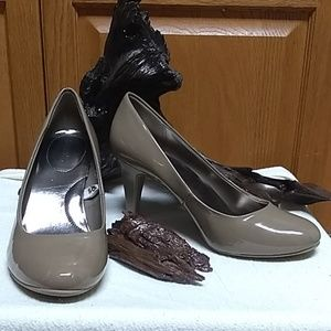 👠NWOT ladies 9.5 nude heel👠
